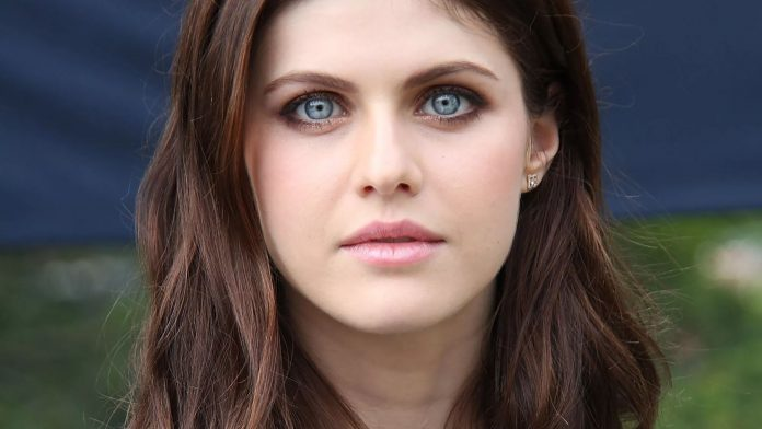 Alexandra Daddario Wiki, Bio, Age, Net Worth, and Other Facts