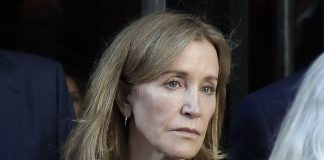 Felicity Huffman Wiki, Bio, Age, Net Worth, and Other Facts