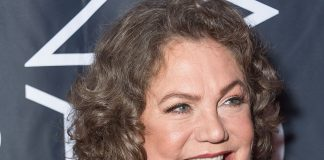 Kathleen Turner Wiki, Bio, Age, Net Worth, and Other Facts