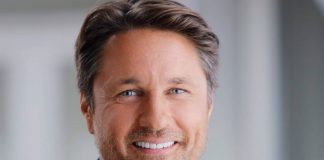 Martin Henderson Wiki, Bio, Age, Net Worth, and Other Facts