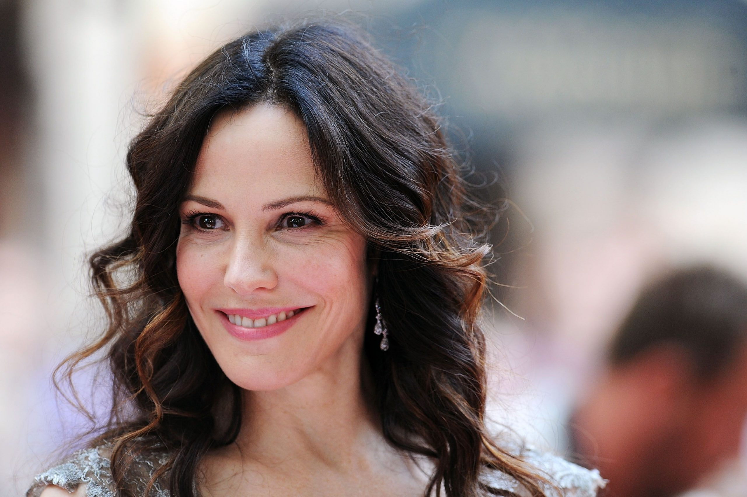 Mary-Louise Parker Wiki, Bio, Age, Net Worth, and Other