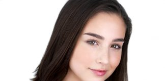 Molly Ephraim Wiki, Bio, Age, Net Worth, and Other Facts